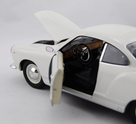 WELLY Model VOLKSWAGEN KARMANN GHIA skala 1:18
